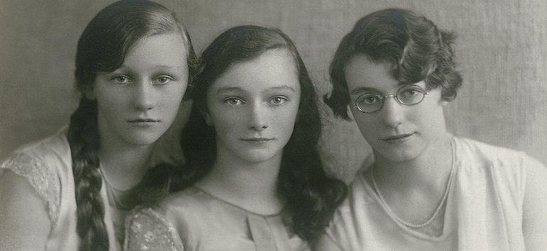 Portrait of three sisters, circa 1920s. (Photo by: Paul Hartnett/PYMCA/UIG via Getty Images)