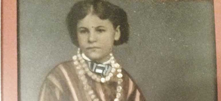 women in old family photos
