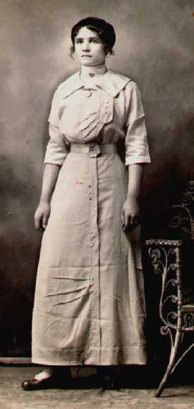 dating women clothing photographs identification