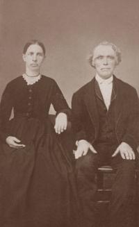 Daniel  Harriet Mallanedit - ca  1870.jpg