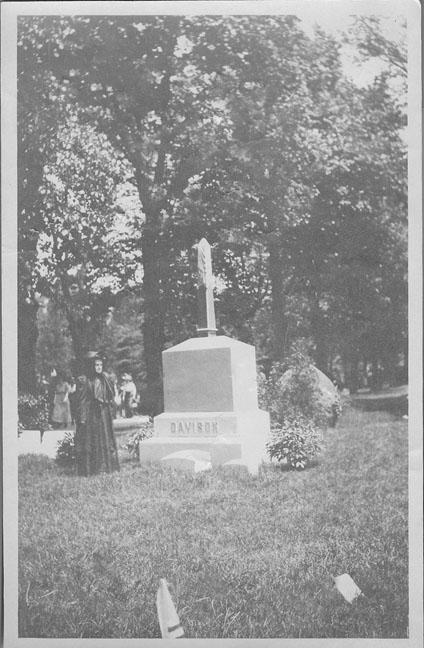 davison headstone2 (3).jpg