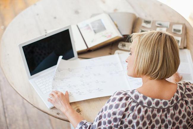 hiring professional genealogist legacy tree