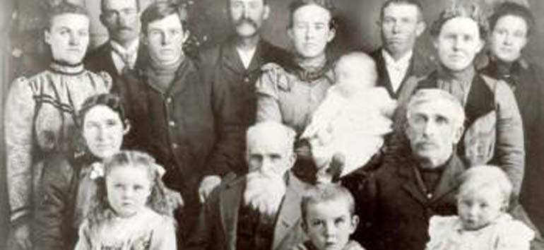 identifying ancestors in old group photos