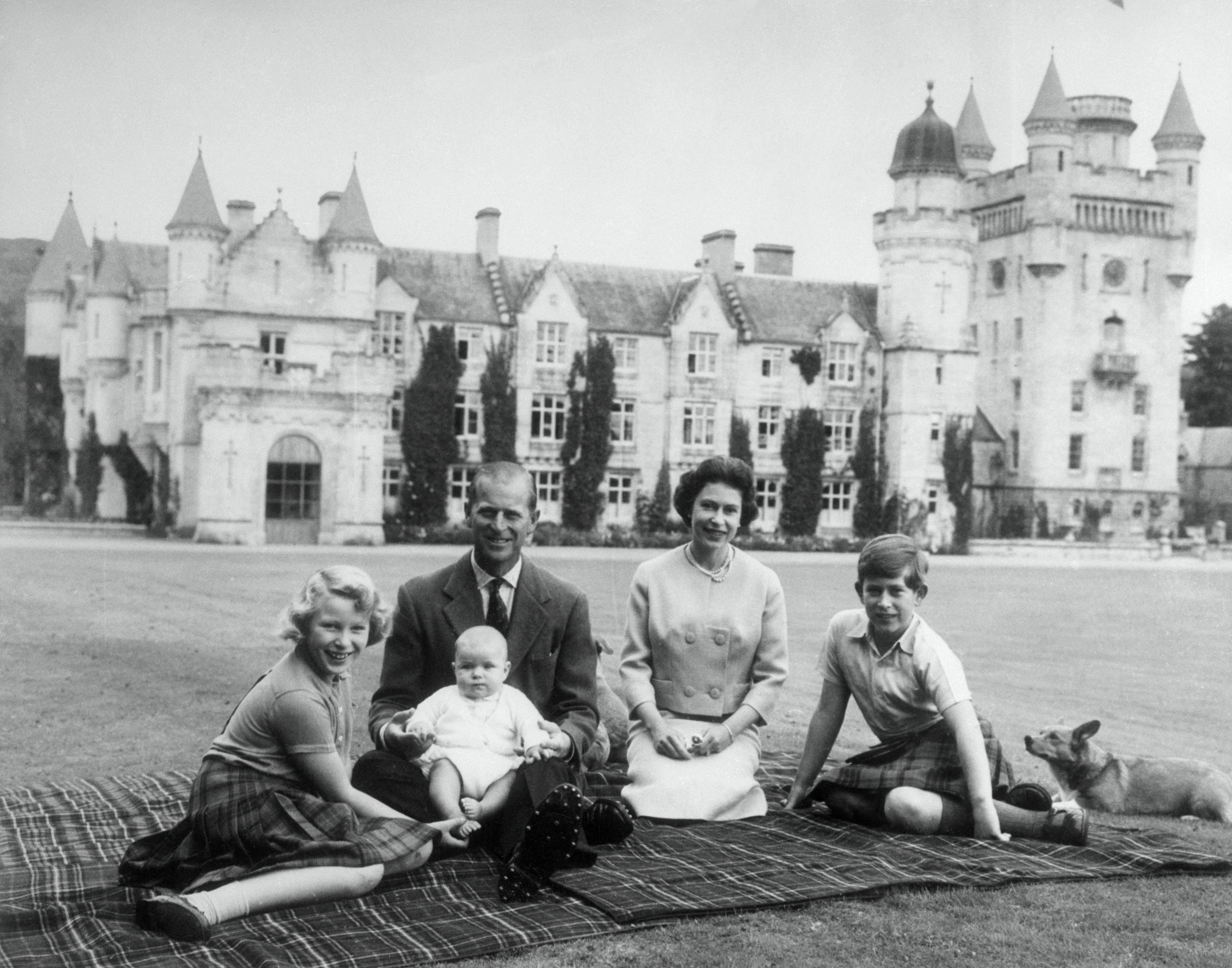 The Crown: The Real Royal Family Tree - Family Tree