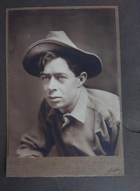 photo detective maureen taylor identification