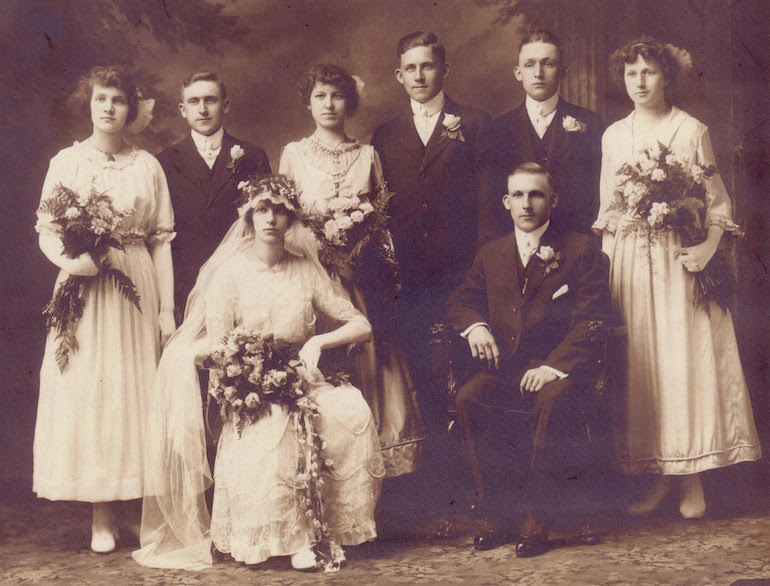 photo identification wedding