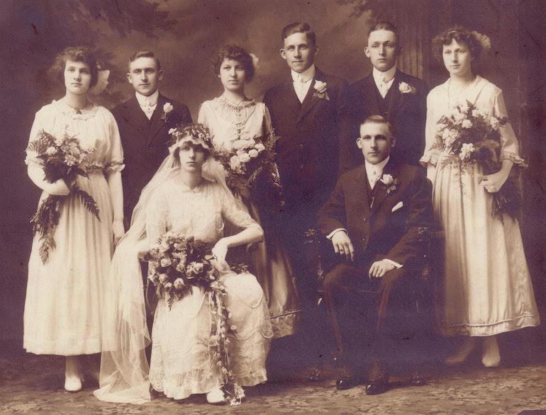 photo identification wedding
