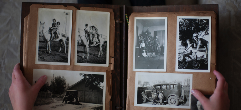 A guide to the best photo books services for family history albums.