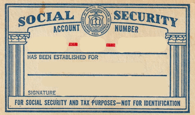 Blank Social Security card, including space for Social Security number, name and signature